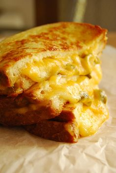 Grilled Cheese and Jalapeño Sandwich #tailgating #superbowl