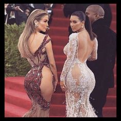 Who do you think has the best booty??? JLO or KIM or maybe some other celebrity.. #bestbooty #celebrity #kimkardashian #jlo #booty #bootyselfie #jenniferlopez #kuwtk #bbl #diarioideal #plasticsurgery #plasticsurgeon #liposculpture #liposuction #sculptra #voluma #bigbootygirls #bigbootyproblems #curvy #curvywomen #posterior