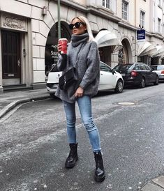 Modetrends Sommer Das sind die Fashion Must-haves Page 62 of 367 Mode Fashion # Casual Outfits invierno jeans Summer Fashion Trends, Autumn Fashion Casual, Autumn Winter Fashion, Casual Fall, Autumn Style, Summer Trends, Fashion Ideas, Autumn Look, Autumn Girl