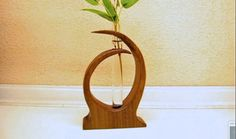 "make a small wood vase - small woodworking project Music: ""Funkorama"" Kevin MacLeod (incompetech.com) Licensed under Creative Commons: By Attribution 3.0 htt..."