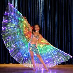 LED Isis Wings, bright and stunning. Battery case is attached to the wings via the wire. Button on the case or extension wire can turn the wings. Kids LED wings with sticks. Kids Wings size LED Wings only,Battery case. Butterfly Costume, Butterfly Fairy, Butterfly Wings, Costume Papillon, Costume Carnaval, Barbie Halloween Costume, Group Halloween Costumes, Fashion 90s, Lolita Fashion