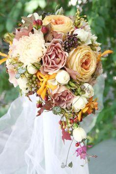 生花のブーケ【レッド&オレンジ系】 カスタムやオリジナルオーダーメイドも承ります - ウェディングアクセサリー・ヘッドドレス・ブーケ Stylish Wedding [スタイリッシュウェディング]