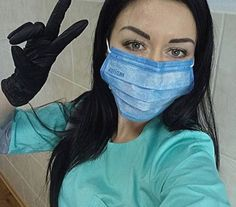 Female Surgeon, Beautiful Nurse, Latex Gloves, Female Pictures, Female Doctor, Jennifer Aniston, Medical, Surgery, Women's Fashion