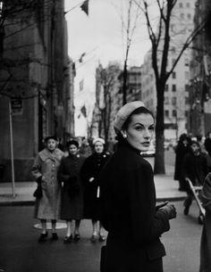Elise Daniels standing on a New York street, 1956. Photo by Gjon Mili.