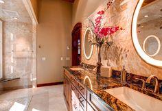 Granit Produkte sind durch die Materialhärte kratzunempfindlich und feuchteresistent.  http://www.marmor-deutschland.com/granit-naturstein-granit