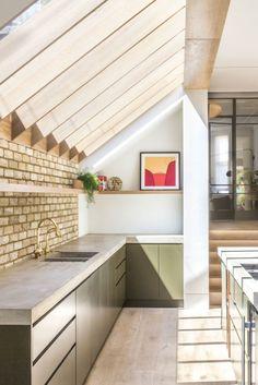 Victorian Terrace House, Victorian Kitchen, Industrial Kitchen Design, Kitchen Interior, Room Interior, House Extension Design, House Design, Extension Ideas, Kitchen Diner Extension
