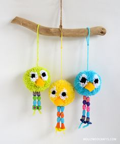 Pom Pom Bird Craft // Pajaritos de pompones
