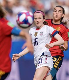 June 2019 - Rose Lavelle (center), USWNT, watches her cross fly over the shoulder of a Spain defender. (Photo by Brad Smith) Fifa Women's World Cup, June 24, Play Soccer, Team Usa, One Team, First Nations, Amazing Women, Spain, Football