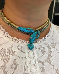 Nesting turquoise Victorian snake necklaces has my heart pounding! It's the last day of the @usantiqueshows and we are thrilled with our newest snake necklace. #justpurchased #jewelryhunter #keyamour #snakenecklace #victorianjewelry