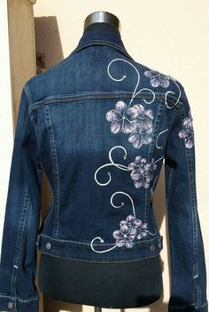 Denim Fashion, Boho Fashion, Fashion Outfits, Women's Straight Jeans, Painted Denim Jacket, Painted Clothes, Capes For Women, Blouse Neck Designs, Refashion