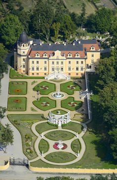 sorokpolany_szapary_kastely2 Beautiful Castles, Beautiful Buildings, Beautiful Places, Castle Ruins, Medieval Castle, Palaces, Photo Chateau, Hungary Travel, Heart Of Europe