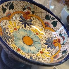 Concepts on How You Can Use Pottery for Your Consuming Room Pottery Plates, Pottery Vase, Ceramic Plates, Ceramic Pottery, Pottery Painting, Ceramic Painting, Ceramic Art, Pottery Patterns, Pottery Designs