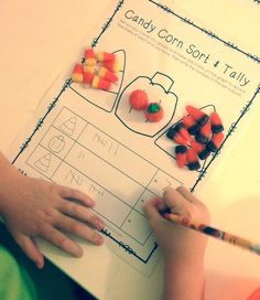 FREEBIE - Sort & Tally with Autumn Mix Candy Corn - fun activity for fall or Halloween!
