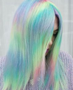 38 Hottest Ombré Hair Color Ideas of 2019 Check out why ombré still remains a popular hair color trend with these ombré hair colors including unique shades like pink, blue and silver. Hair Color Trend, Hair Color Purple, Best Ombre Hair, Blond Ombre, Sleek Hairstyles, Pretty Hairstyles, Easy Hairstyle, Pelo Multicolor, Pastel Hair