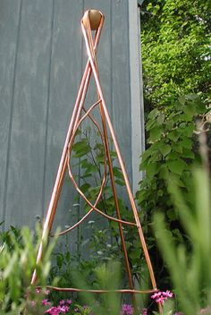 Copper Trellis I could do something similar. Copper Trellis I could do something similar. Wire Trellis, Garden Trellis, Potager Garden, Garden Arbor, Garden Gate, Outdoor Pergola, Outdoor Art, Outdoor Living, Diy Garden Projects