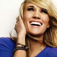 Carrie Underwood Names Names on Glam Squad.