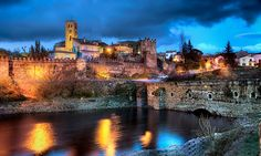 De+Patones+a+Buitrago+del+Lozoya,+la+ruta+del+agua+por+la+sierra+de+Madrid Sierra, Spain Travel, Daily News, Around The Worlds, River, Adventure, Mansions, House Styles, Places