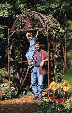 PRETTY SURE I COULD NEVER DO THIS....BUT I WILL HAVE THIS SAVED IF EVER I GET THE AMBITION.  IT SAYS THAT IF YOU ONLY BUILD ONE OF THE SIDES IT MAKES A GREAT TRELLIS...