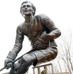 Guy Lafleur (1951*) Statue