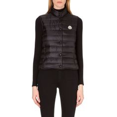 MONCLER Liane quilted gilet (1.316.920 COP) ❤ liked on Polyvore featuring outerwear, vests, black, feather vest, moncler vest, quilted vest, sleeveless waistcoat and moncler