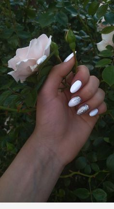 Cute nails and a rose