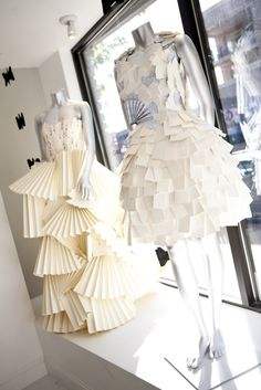 Paper dresses by Rita Snyder + Paperista + Smock Paper (via http://smockpaper.com/blog/2011/10/05/smock-store-spotlight-paperistas-letterpress-wedding-gown/)