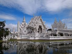 Wat Rong Khun, Chiang Rai by Top Koaysomboon, via Flickr