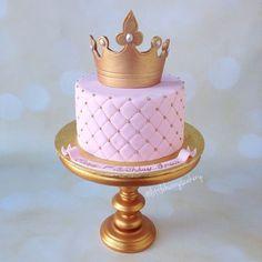 Simple yet elegant Princess cake Birthday Cake Girls, Princess Birthday, Birthday Cake Crown, 24th Birthday, Princess Party, Birthday Cakes, Sweet Cakes, Cute Cakes, Bolo The Walking Dead