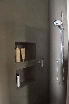 Seamless shower with niche .- Fugenlose Dusche mit Nischen Seamless shower with niches - Bathroom Interior, Modern Bathroom, Small Bathroom, Kitchen Interior, European Home Decor, Bathroom Toilets, Bathroom Inspiration, Decor Interior Design, Interior Ideas