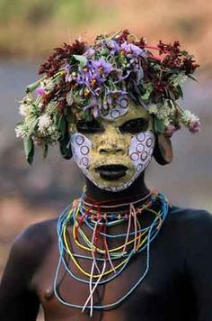Hans Silvester photo - Omo Woman with handmade natural floral headdress