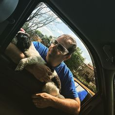 Dad came to the window and this happened... #Max #daddysboy #roadtrippin #travelpuppy