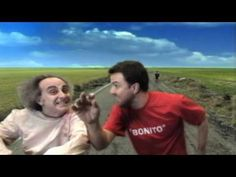 """Music Video - """"Bonito"""" by Jarabe de Palo (España). Good for vocabulary, verb to be, present tense verbs, and verb """"parecer"""""""
