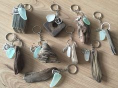 Driftwood Sea Glass Key Ring Handmade from Isle of Wight Beac .- Driftwood Sea Glass KeyRing Handmade from Isle of Wight Beaches Natuical Gift Idea Beach Love Key Chain Fob Wedding Favors Driftwood Sea Glass Keychain Handmade by Isle - Driftwood Jewelry, Driftwood Projects, Driftwood Art, Driftwood Ideas, Driftwood Beach, Driftwood Wedding, Driftwood Signs, Painted Driftwood, Sea Glass Crafts