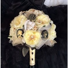 Skull Wedding-Skull Flowers-Alternative Wedding-Ivory&Black Gothic... (275 NZD) ❤ liked on Polyvore featuring home, home decor, skull home accessories, skull home decor, white dove figurines, handmade home decor and ivory figurines