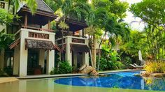 Muang Samui Spa Resort is an ideal beachfront resort elegantly nestled within the city center of bustling and sparkling Chaweng Beach.