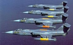 German formation F-104G in flight,1986 By Axel Ostermann