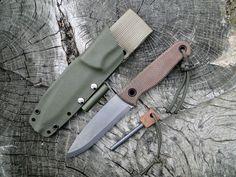 Andrzej Woronowski Custom Knives: [TUTORIAL] How to make a kydex sheath with a firestarter? Kydex Sheath, Knife Sheath, Survival Tools, Survival Knife, Kydex Holster, Bushcraft Knives, Metal Welding, Fire Starters, Custom Knives