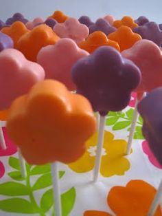 flower cake pops for luau party