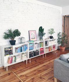 I Like This Corner Lubię to miejsce ale chodzi za mną galeria śc Home Living Room, Apartment Living, Living Room Decor, Small Living Room Storage, Dining Room Storage, White Bookshelves, Low Bookcase, Short Bookshelf, Apartment Bookshelves