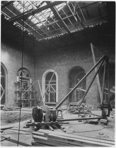 Construction of the Walker Sculpture Court, undertaken during the Darling and Pearson addition to the Art Gallery of Toronto, September 1925. © 2014 Art Gallery of Ontario
