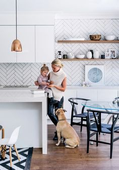Herringbone backsplash with dark grout. Kristin's kitchen photography: Hannah Blackmore / Styling: Claudia Stephenson Kitchen Shelves, Kitchen Tiles, Diy Kitchen, Kitchen Dining, Scandinavian Kitchen Backsplash, White Kitchen Backsplash, Wood Shelves, Herringbone Subway Tile, Herringbone Pattern