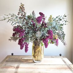 Surprised our moms today with beautiful arrangements of lilacs! Thank you @hollyflorala  they are stunning!! #happymothersday #pretty #flowerarrangement