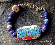 jasmin french  '  wanderlust '  lampwork focal bead bracelet
