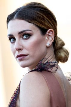 Blanca Suárez and her sexiest princess look with a Pedro del Hierro dress - Blanca Suarez by Pedro del Hierro at the San Sebastian Festival 2018 (III) - Tragus Piercings, Foto Piercing, Navel Piercing, Belly Button Piercing, Body Piercings, Forward Helix Piercing, Piercings Bonitos, Marquesan Tattoos, Bar Stud Earrings