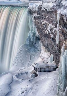 Frozen by Dave Van de Laar - Niagara Falls, Ontario - Canada - stripey waterfall! Beautiful World, Beautiful Places, Niagara Falls Ontario, Niagara Falls Winter, Niagara Falls Frozen, Winter Szenen, Dame Nature, Beautiful Waterfalls, Winter Wonder