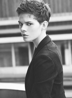 20 Pixie Haircuts for Women 2012 – 2013 | http://www.short-haircut.com/20-pixie-haircuts-for-women-2012-2013.html