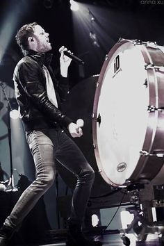 Dan Reynolds 'Imagine Dragons': Hot guy bangin' on a big drum.