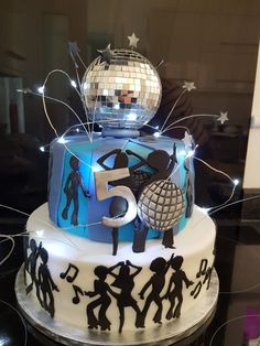 Silver dresses Birthday cake, ABBA, Disco, Don't Let Your Roof Repairs Go Sky High! 50th Birthday Party Themes, Disco Theme Parties, Disco Party Decorations, Moms 50th Birthday, Disco Birthday Party, 70th Birthday Cake, Disco Cake, Party Cakes, Disco 70s