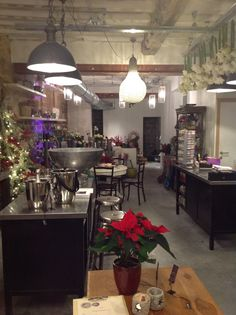 Coin Perdu - Bar Floral, Flower Shop and wine bar, Tongeren, Belgium