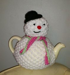 Snowman Tea Cosy by Biskettblue